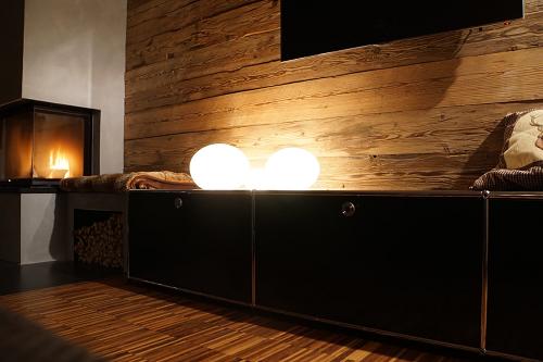 die besten 25 wohnideen wohnzimmer altholz wohnzimmer. Black Bedroom Furniture Sets. Home Design Ideas