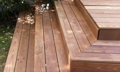 Holzterrasse Stufen