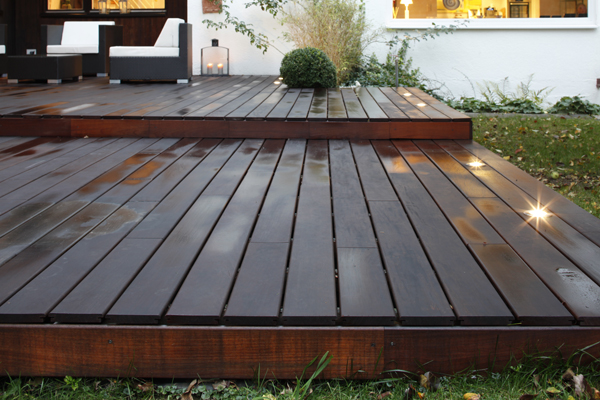 Holzterrasse hochwertig