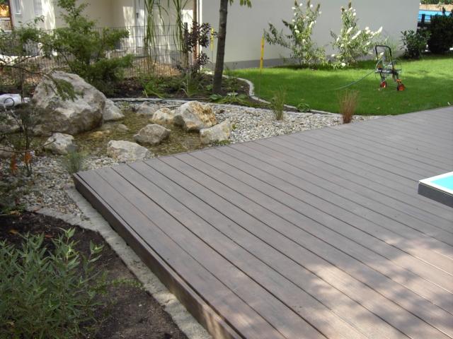 terrasse mit timbertech tropical walnut blick auf das wasserspiel bs holzdesign. Black Bedroom Furniture Sets. Home Design Ideas