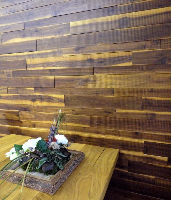 Wandverkleidung Holz MUnchen ~ Wandverkleidung Eiche Robinie in zwei Längen seitlich am Haus