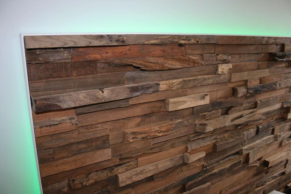 Holz Wandverkleidung Im Schlafzimmer Mit LED U2013 Nahaufnahme