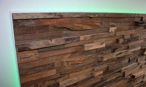 Wandverkleidung Holz Im Schlafzimmer Mit LED   Nahaufnahme