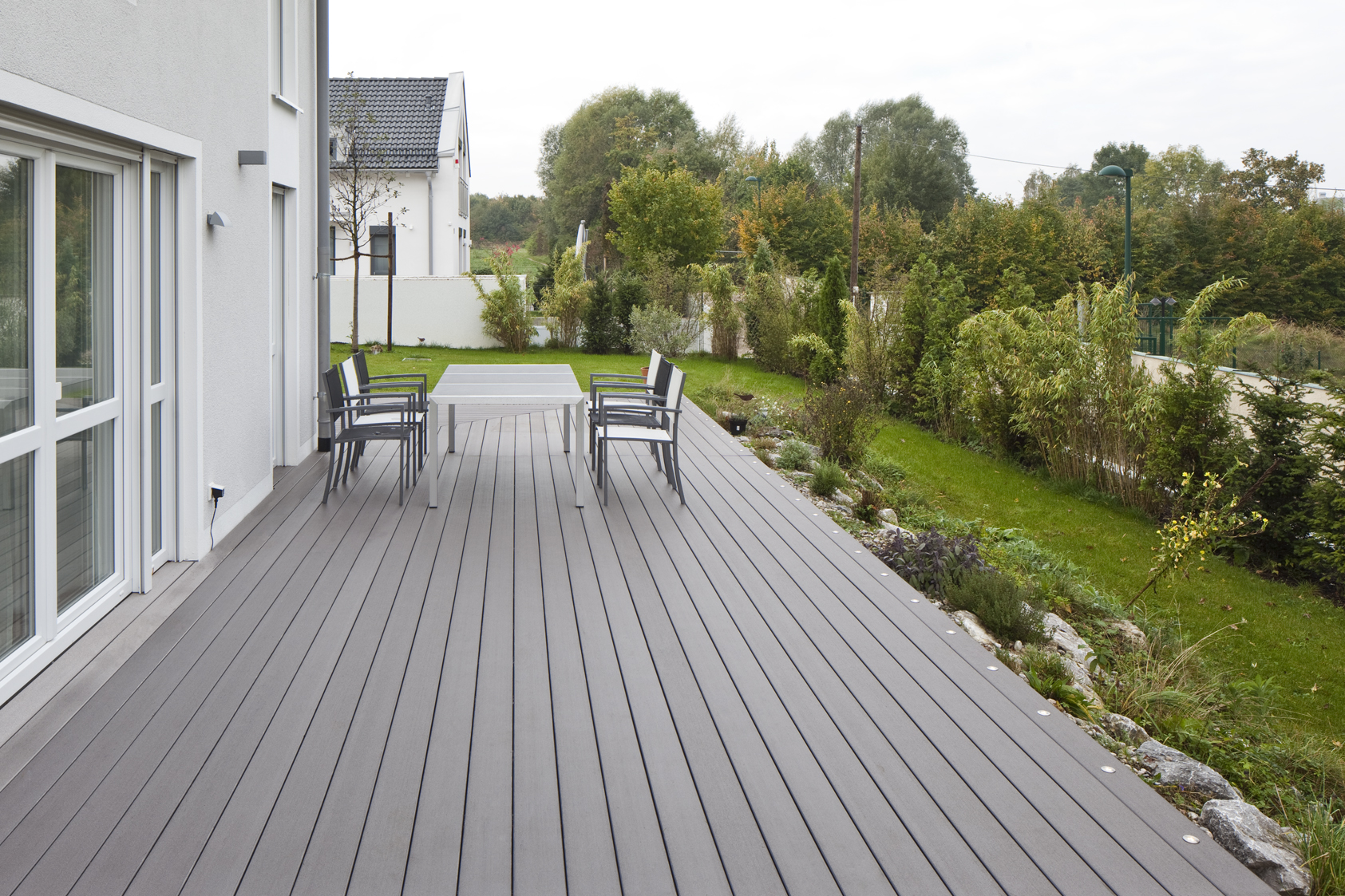 mydeck terrasse basalt 6m lang mit bodenstrahlern bs holzdesign. Black Bedroom Furniture Sets. Home Design Ideas