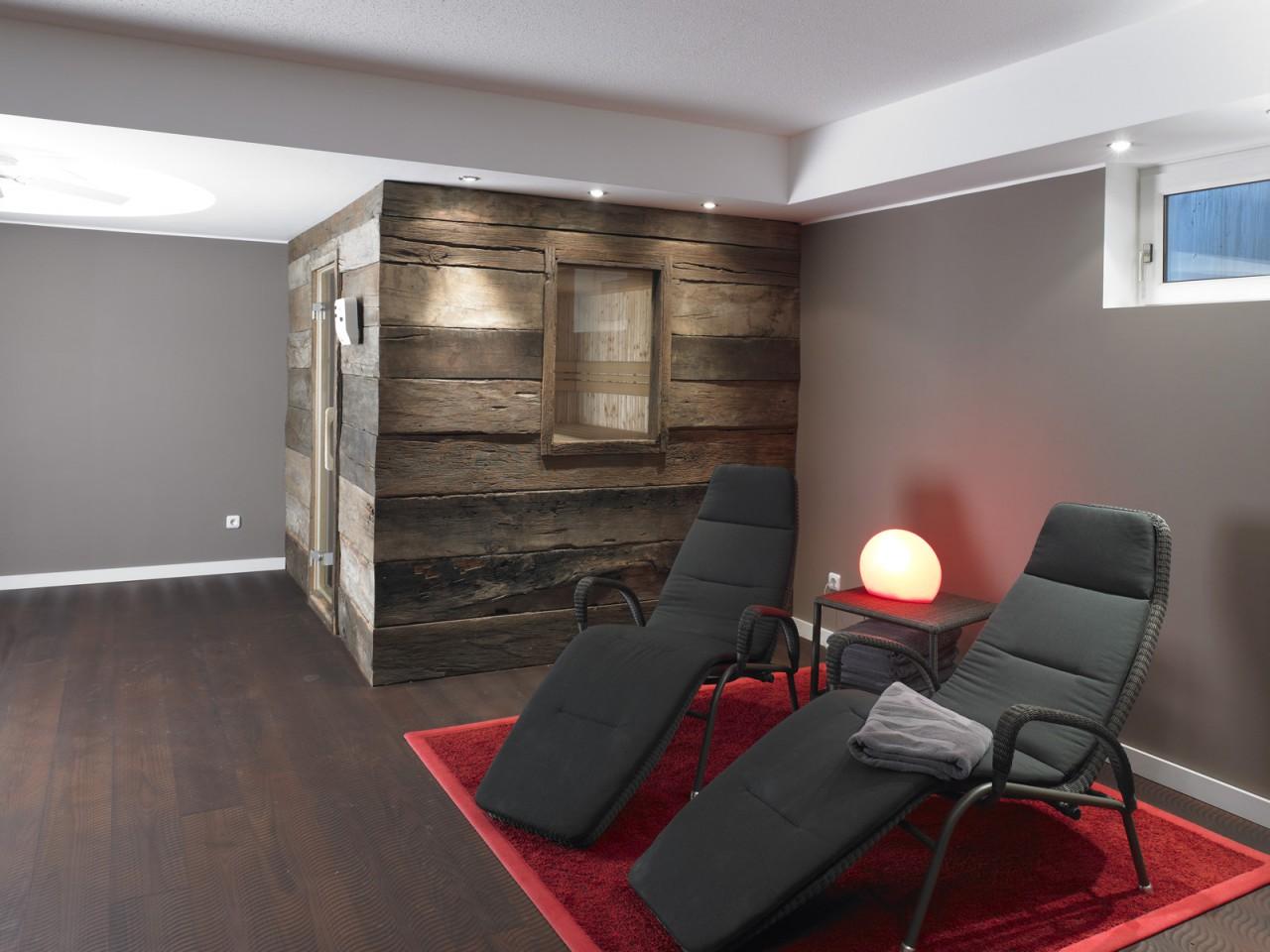 wandverkleidung holz eiche bs holzdesign. Black Bedroom Furniture Sets. Home Design Ideas