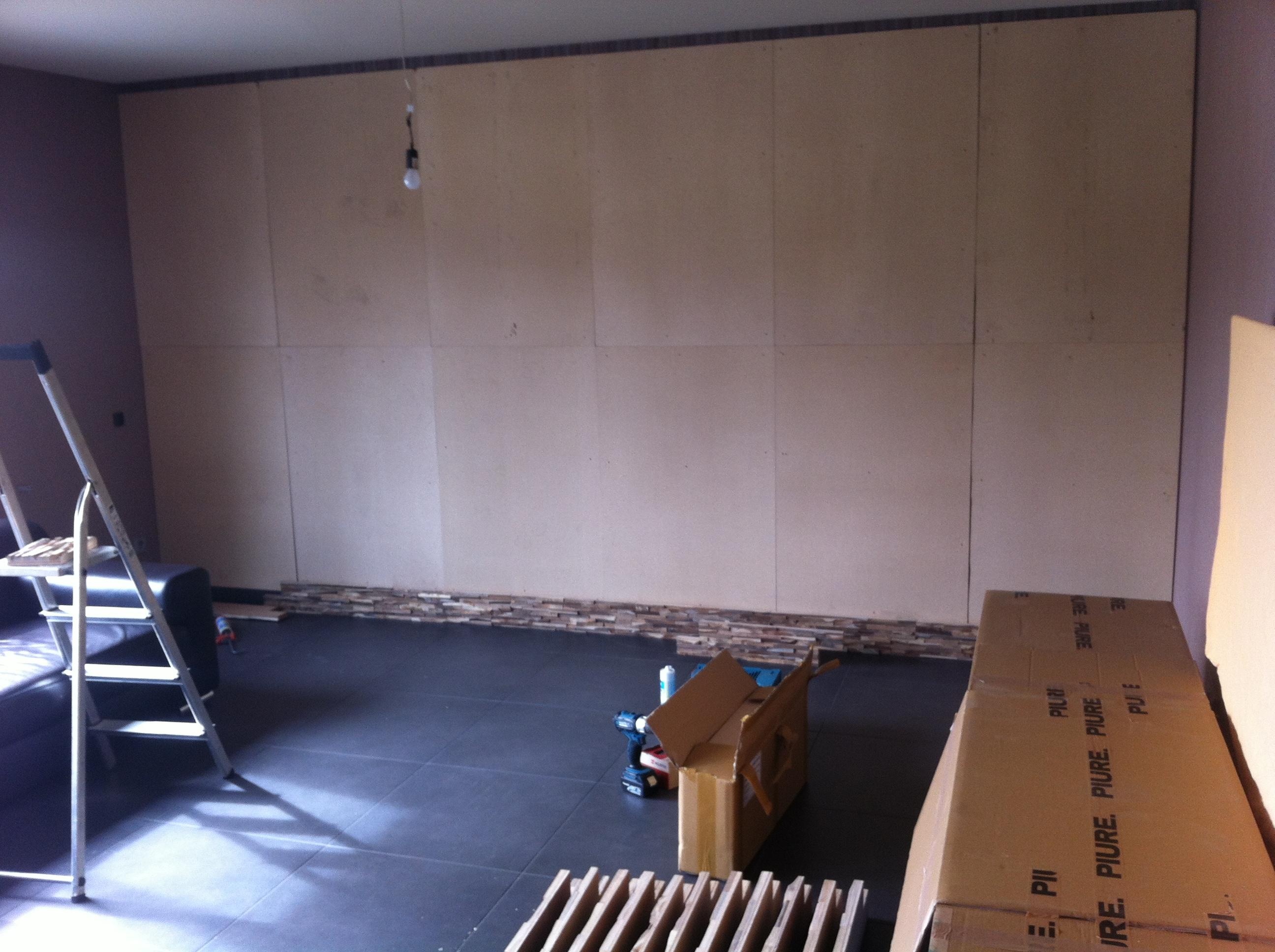 Holz Wandverkleidung Unterkonstruktion montiert