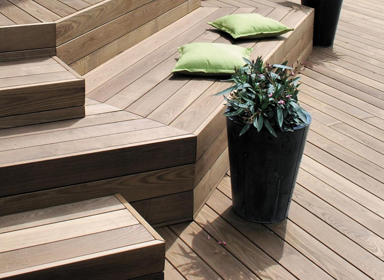 holzterrasse selber bauen innenr ume und m bel ideen. Black Bedroom Furniture Sets. Home Design Ideas