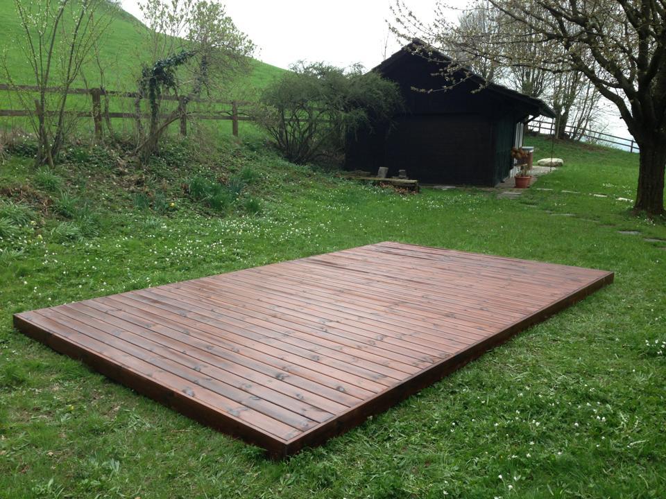 Holzterrasse selber montieren Bausatz