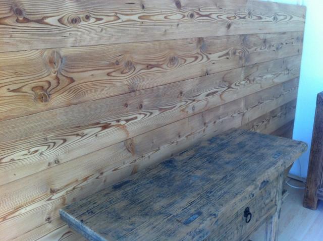 Holz Wandverkleidung astig