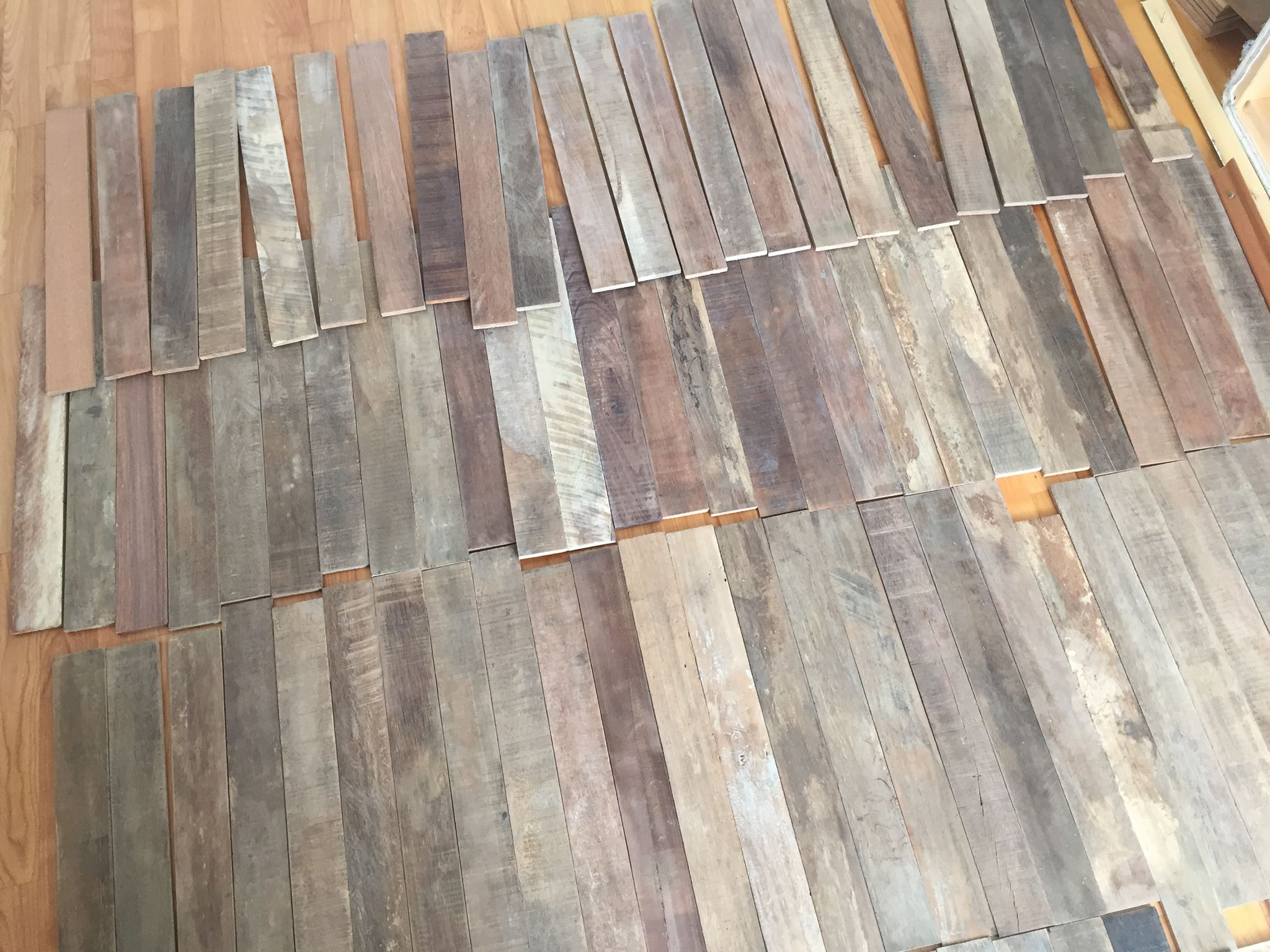 Holz Wandverkleidung sortieren