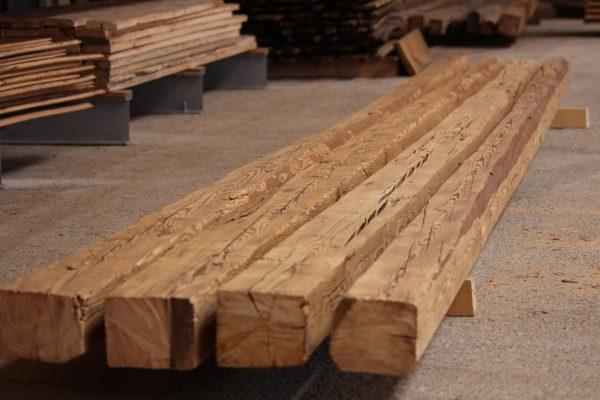Altholz Balken gebürstet