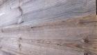 altholz-grau-sonnenverbrannt