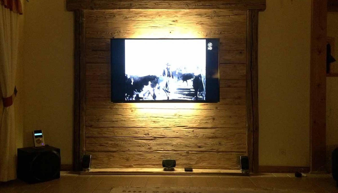 Favorit TV Wand | Holzverkleidung | BS-Holzdesign SD22
