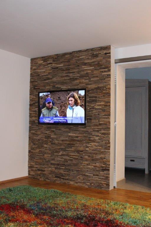 tv wand holz trendy medium size of tv wand hn schwarz hochglanz rack lcd inkl real schrank holz. Black Bedroom Furniture Sets. Home Design Ideas