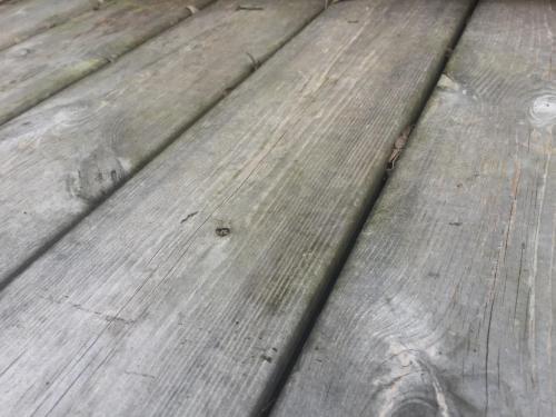 Holzterrasse Thermokiefer vergraut