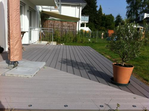 WPC Terrasse grau verdeckt montiert
