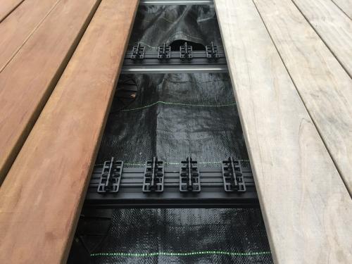 vergraut Holzterrasse