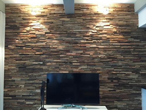Holz Wand TV