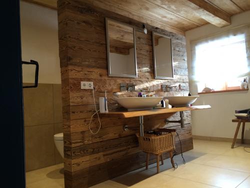 altholz gehackt bs holzdesign. Black Bedroom Furniture Sets. Home Design Ideas