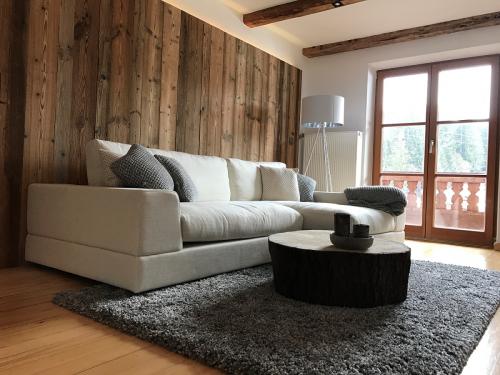 Altholz sonnenverbrannt Wandverkleidung Wohnzimmer
