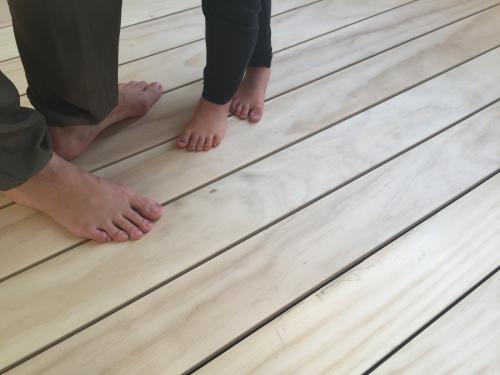 Balkonbelag Holz ohne Splitter ohne Schrauben
