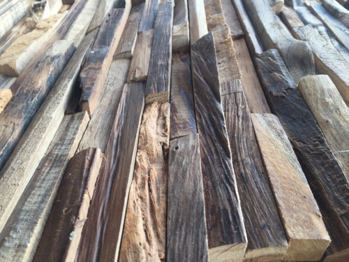 Baumkante Holz Wand