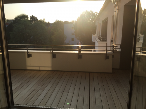 Holz Balkonbelag ohne Schrauben splitterfrei