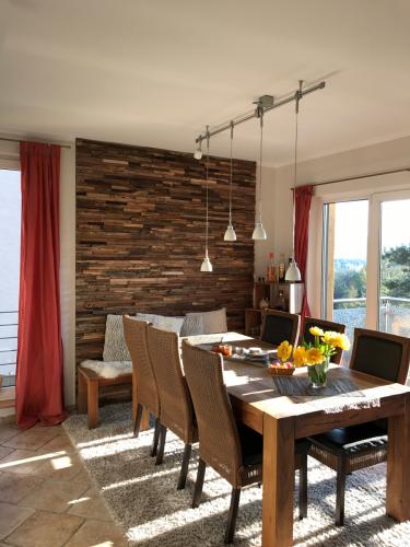 Holz Wand (1)
