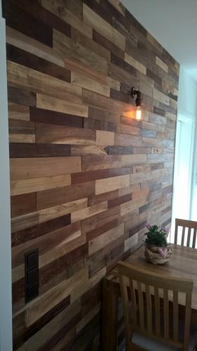 Holz Wand Esszimmer