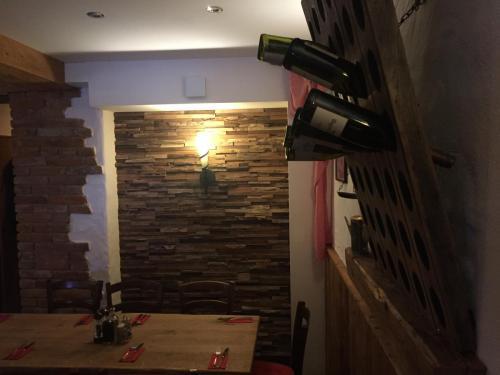 Holz Wand rustikal (1)
