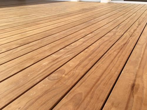 Holzterrasse verlegen ohne Schrauben (1)