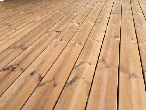 Thermokiefer Holzterrasse ohne Schrauben