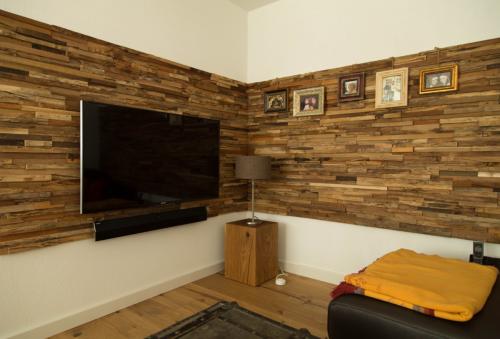 Verkleidung Holz Wand