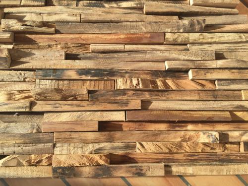 Wandverkleidung Baumkante