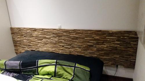 Wandverkleidung Holz Kopfende