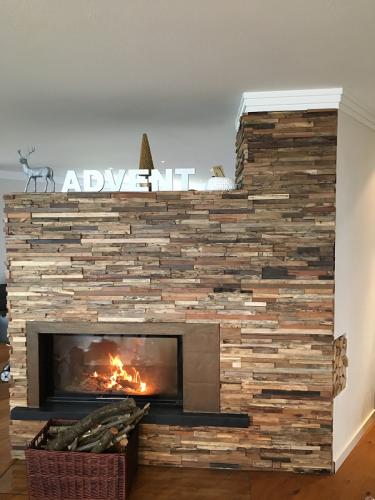 Wandverkleidung Holz Wohnzimmer