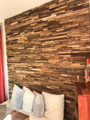 Wohnzimmer Holz Wand